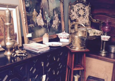Pines Antiques